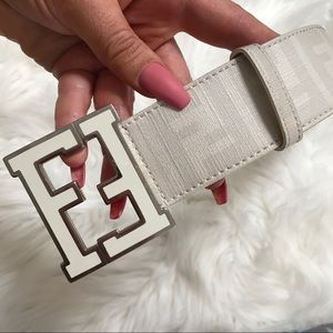 GUC FENDI BELT MENS SIZE 42 (105) RARE COLOR